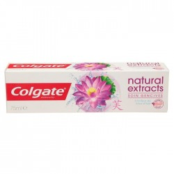 Colgate - Dentifrice Natural Extracts Soin Gencives sur Couches Poupon
