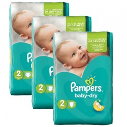 Pampers - 126 Couches Baby Dry sur Couches Poupon